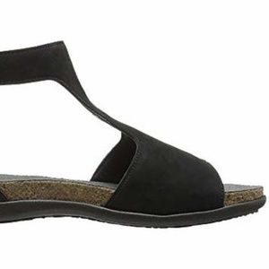 Naot Shoes - Naot Leather T-Strap Sandals Nala